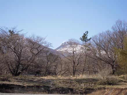 栃木 那須高原 ペンショントント 春 那須山 那須連山 雪解け