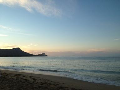ハワイ 海 ワイキキビーチ ダイアモンドヘッド 朝