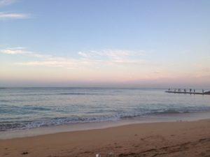 ハワイの海 朝