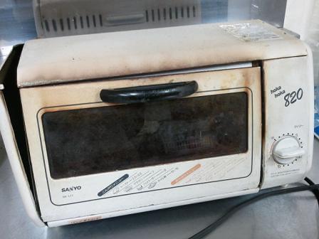 栃木 那須高原 ペンショントント 震災で落ちたトースター